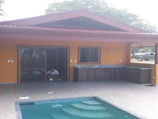 Casa Russel – out side area and pool
